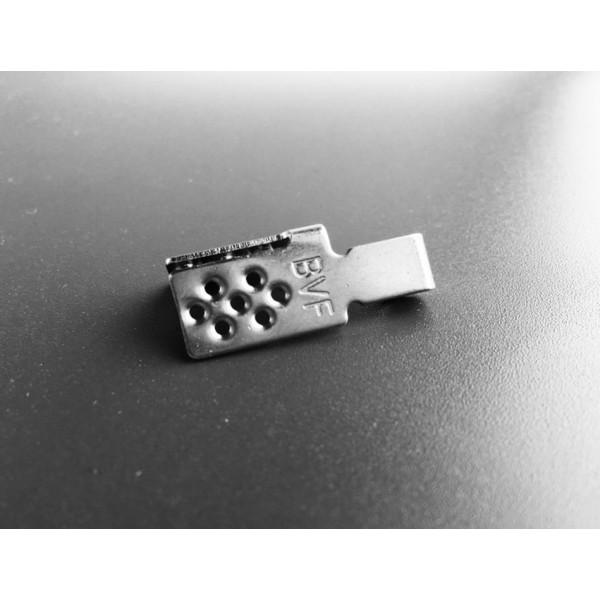Plastikinė panelė vamzdžių montavimui